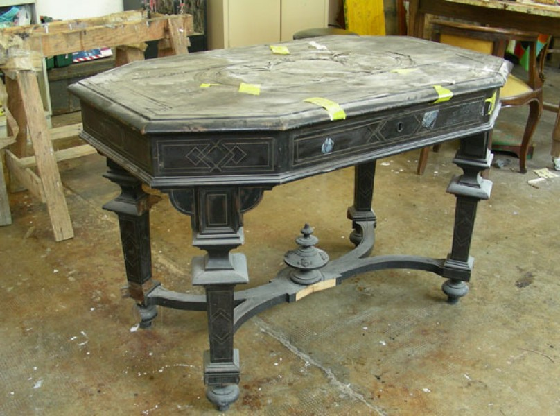 restauro tavolo intarsiato